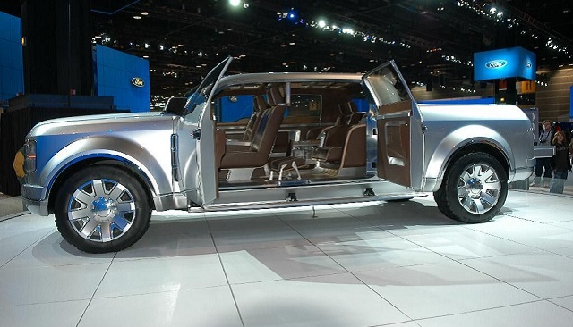 Ford-F-250-Super-Chief-2006-Concept-side-view.jpg