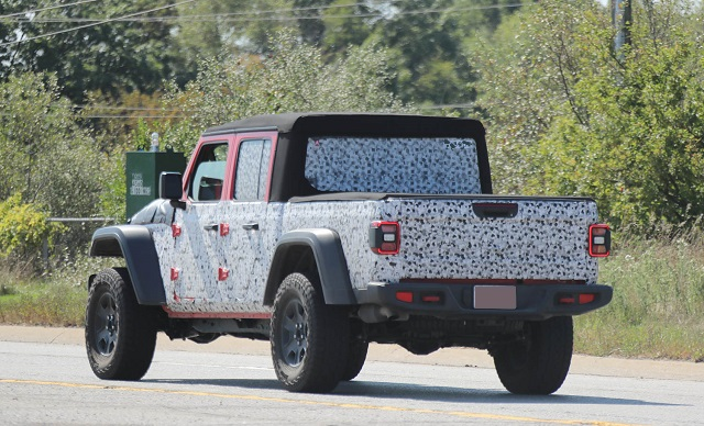 2021 Jeep Gladiator Hercules spy shot