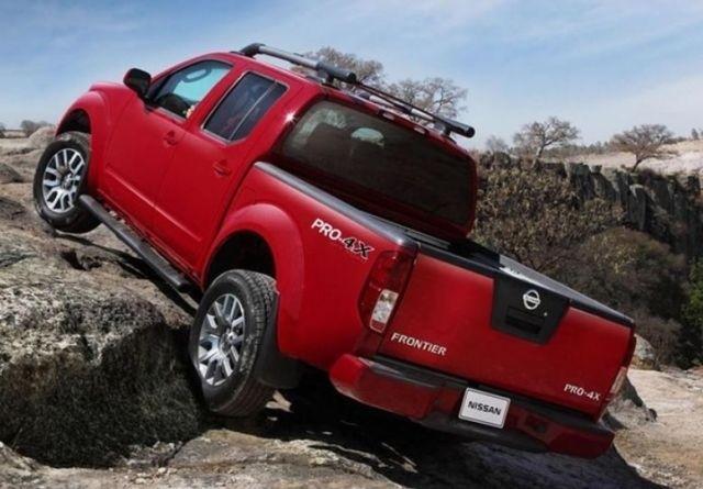 2021 Nissan Frontier Pro-4x rear