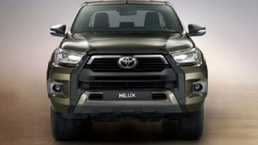 2021 Toyota Hilux featured