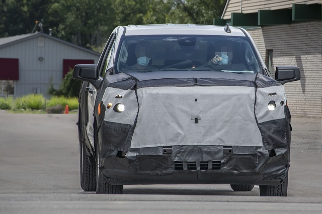 2022-Chevy-Silverado-1500-spy-shot.jpg