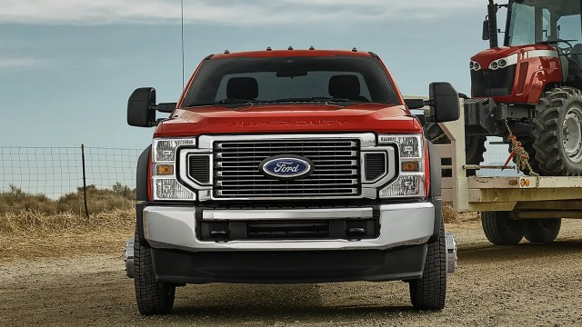 2022 Ford F-450 towing capacity