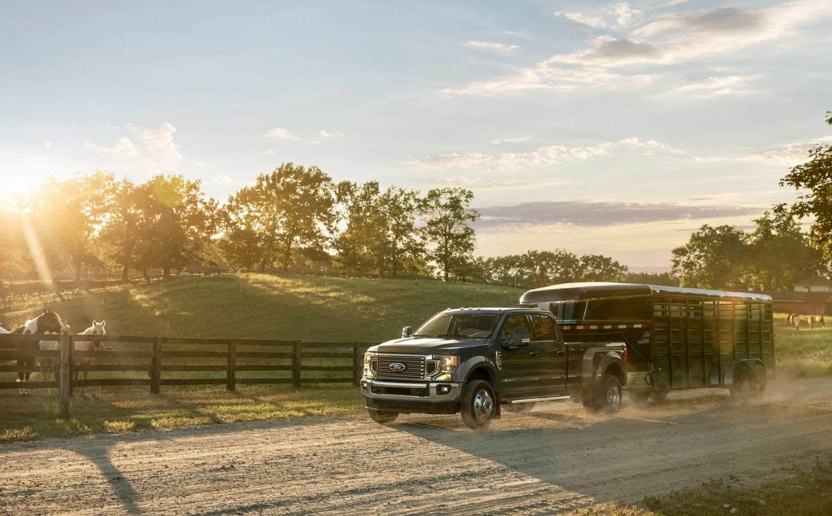 2022-Ford-F-450-towing-price.jpg