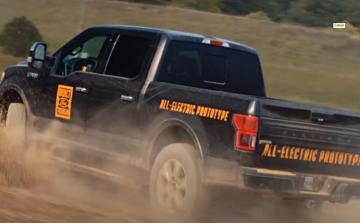 2022-Ford-F-150-EV-Truck.jpg