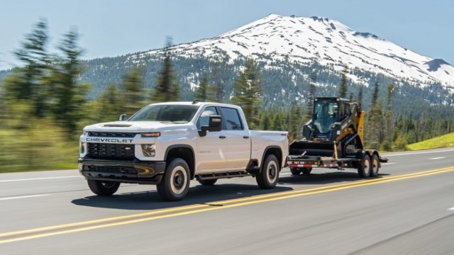 2023 Chevrolet Silverado 1500 towing