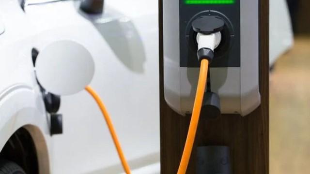 2023 GMC Sierra EV charging